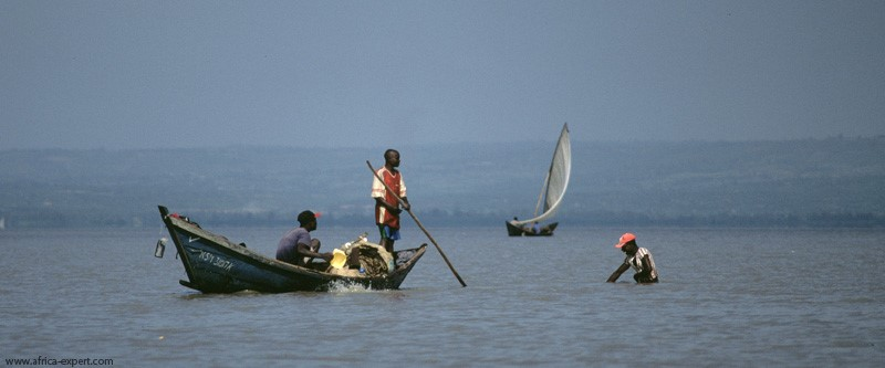 Fishermen in Lake Victoria (Photography by Africa Expert)